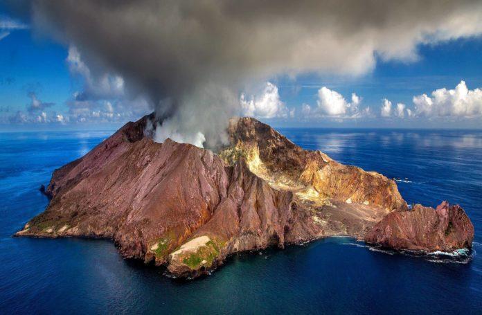 La storia della città che venne risparmiata dall'eruzione vulcanica grazie all'Eucarestia2