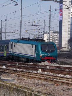 Mestre treno deraglia in stazione
