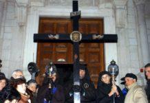 Molfetta, 33 rintocchi ed il rito della Croce segnano l'inizio della Quaresima. Conosci la tradizione?