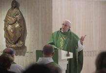 Papa Francesco 'La scivolata lenta nella vita è verso la mondanità, questo è il grave peccato'