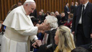 Papa Francesco 'Nella Bibbia la longevità è una benedizione'