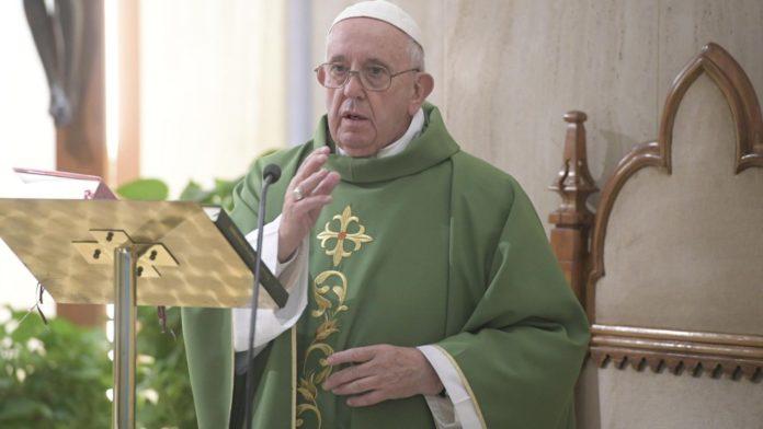 Papa Francesco 'non usare il cristianesimo per arrampicarsi'2