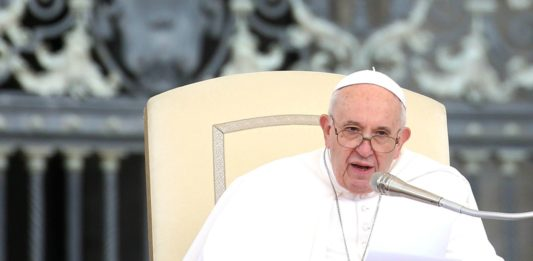 Papa Francesco nuove regole per i futuri diplomatici della Santa Sede