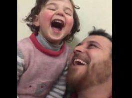 Siria. Si può far ridere la figlia sotto le bombe? Il video di un papà diventa virale e le risate contagiose2