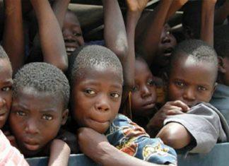Brutale attacco in Camerun. Uomini armati hanno assaltato, venerdì scorso, il villaggio di Ntumbo, nel nord-ovest del paese, uccidendo almeno 22 persone