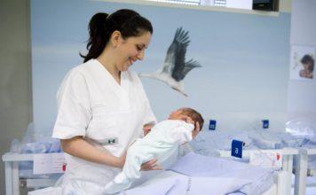 coronavirus bimbo nasce sano da mamma positiva piacenza