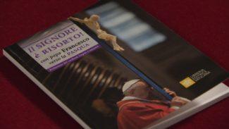 I pensieri di Papa Francesco per la Quaresima il libro 'tascabile' del Cardinal Comastri2