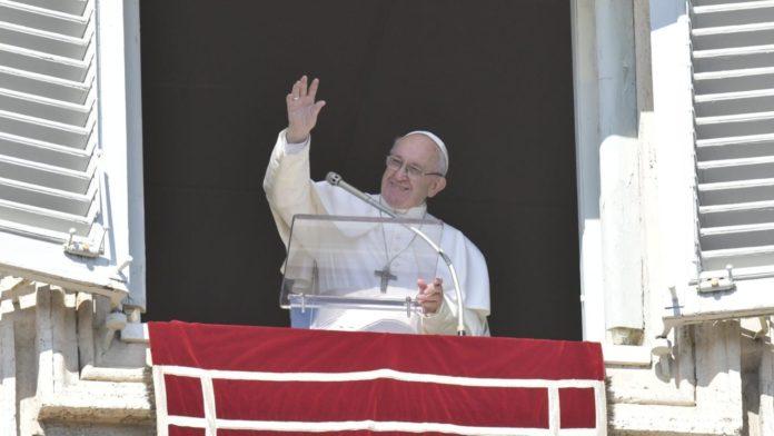 Papa Francesco invita alla preghiera in favore dei popoli in fuga dai conflitti4