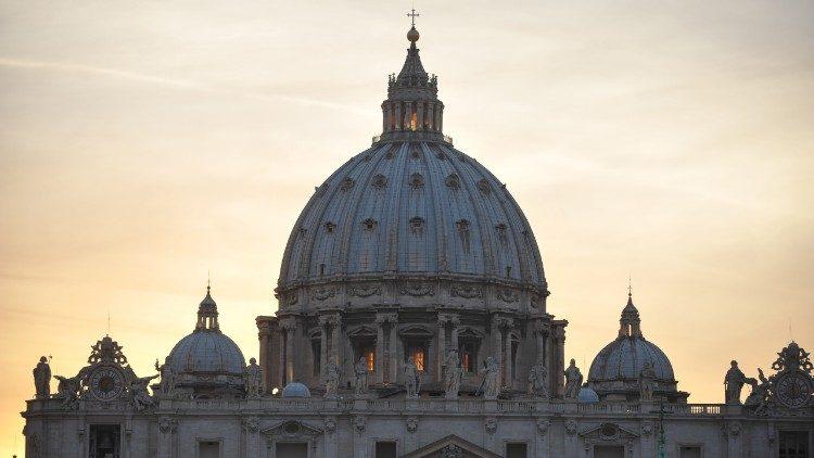 Papa Francesco in diretta da Piazza San Pietro per preghiera universale
