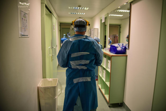 La situazione sta di giorno in giorno peggiorando nel paese, con centinaia di casi di coronavirus in aumento, e con numeri da verificare