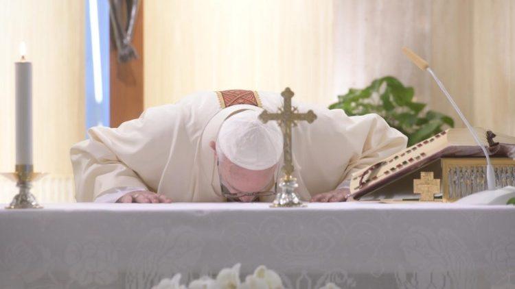 Papa Francesco Santa Marta oggi