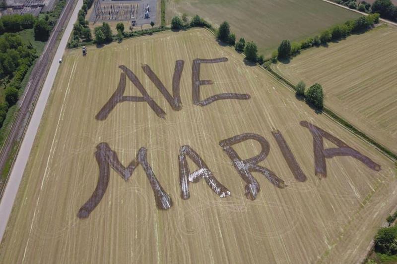 Nei campi di Manerbio (Brescia) Ave Maria