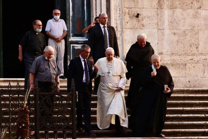 Papa in visita alla Basilica di Sant'Agostino in Campo Marzio