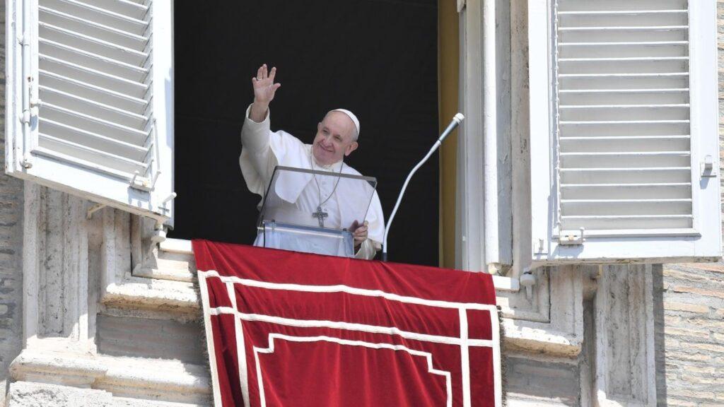 papa francesco angelus 15 agosto 2020