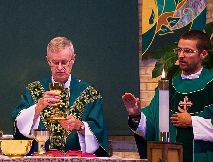 Padre e figlio sacerdoti