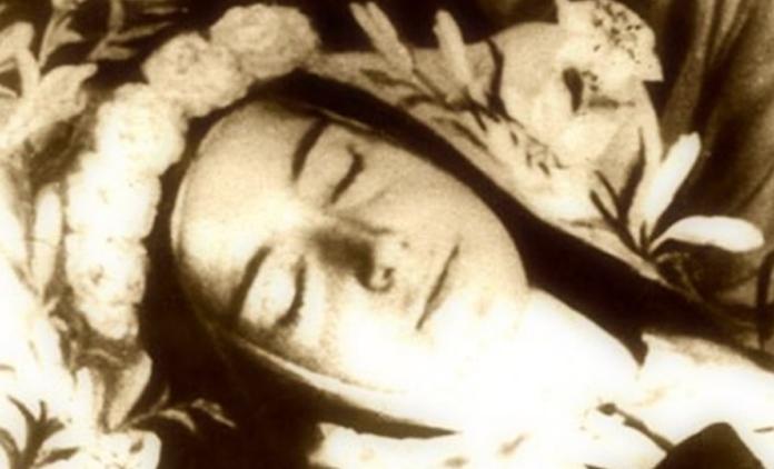 Preghiera a Santa Teresa di Gesù Bambino (di Lisieux)