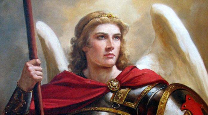 San Michele Arcangelo: sostegno con il Male