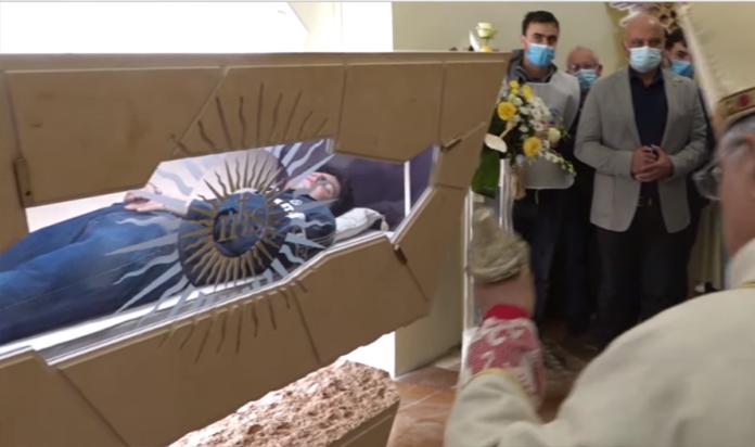 Chiusura della tomba di Carlo Acutis