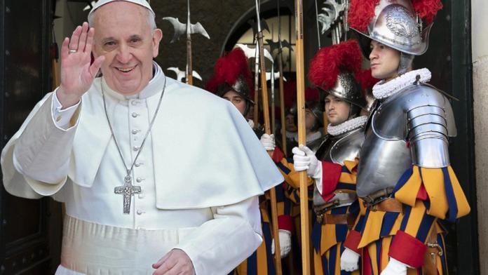Papa Francesco incontra le nuove Guardie Svizzere