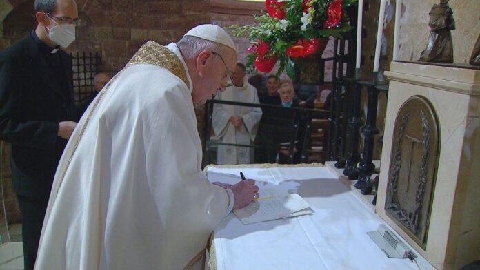 Papa-Francesco.enciclica.fratellitutti
