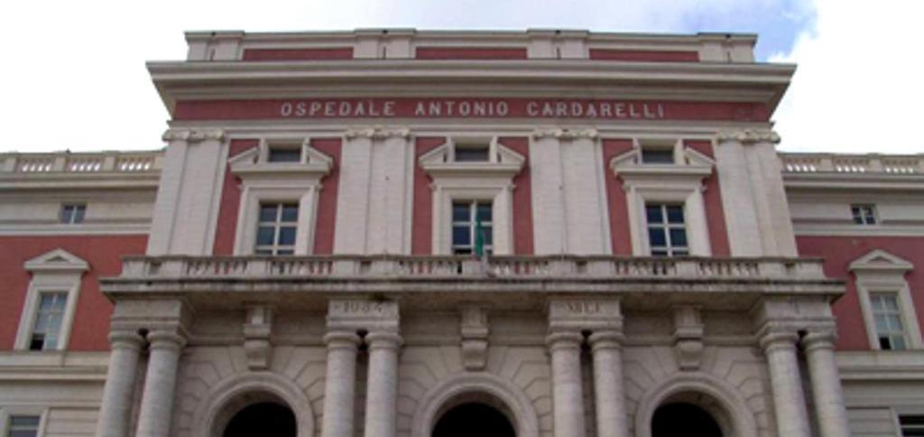 Uomo muore nell'ospedale Cardarelli di Napoli