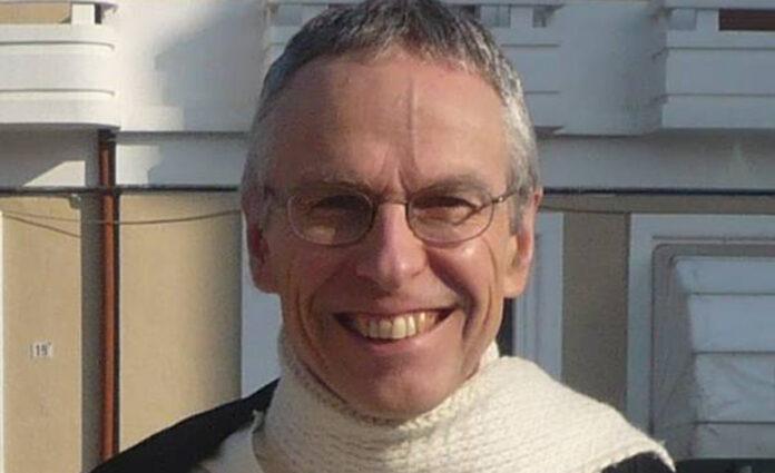 Padre Francois: l'esorcista che combatte il demonio