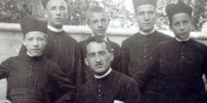 Don Mario Ciceri (it.aleteia.org)