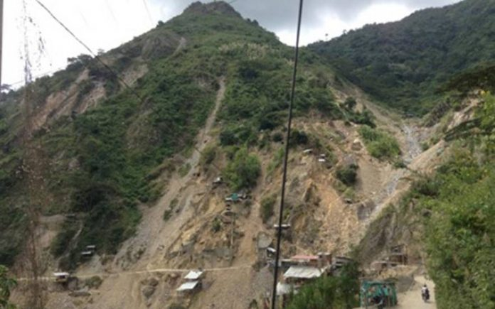 Colombia: 14 minatori bloccati in miniera
