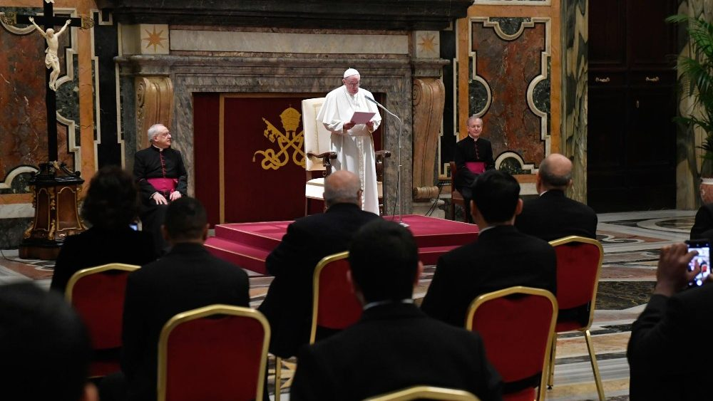 L'incontro di Papa Francesco di oggi (Vatican Media)