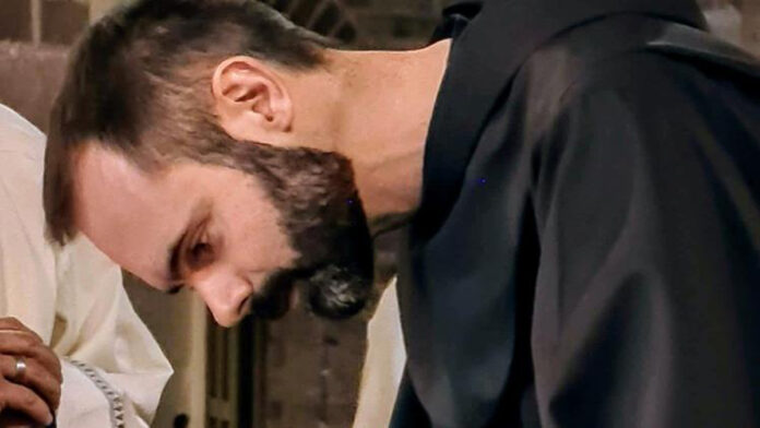 Christian Vallarsa lascia tutto per seguire San Francesco