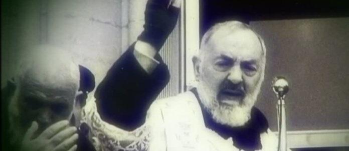 Padre Pio. Invoca il Santo in questo giorno, 25 febbraio 2021: 'Sostienici nel combattimento'