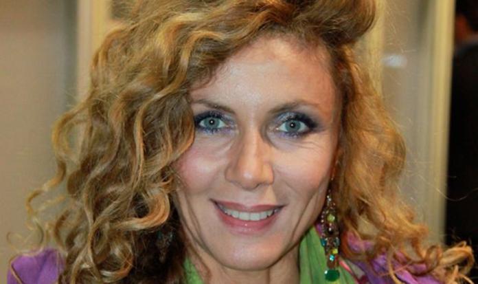 ELEONORA BRIGLIADORI contraria al VACCINO anti-Covid: