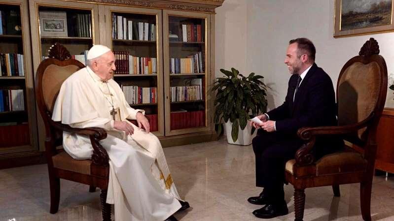 Domenica sera in esclusiva su Canale 5 l'intervista a Papa Francesco