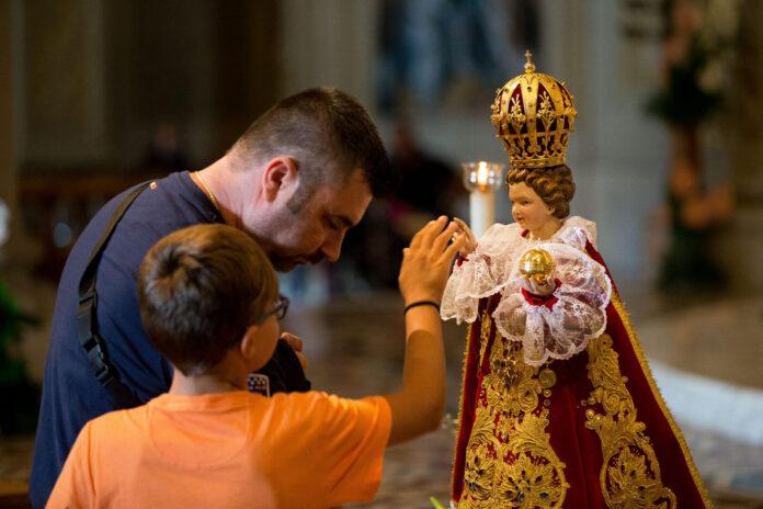 Oggi, lunedì 11 Gennaio 2021, recita la potente Supplica al Santo Bambino Gesù di Praga