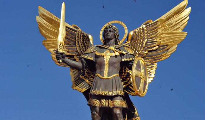 Supplica potente per invocare San Michele Arcangelo in questo tempo difficile. Preghiera del mattino, 5 maggio 2021
