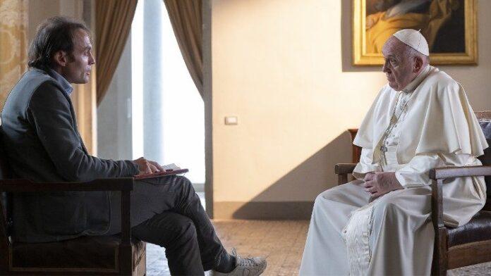 Papa Francesco a colloquio con don Marco Pozza