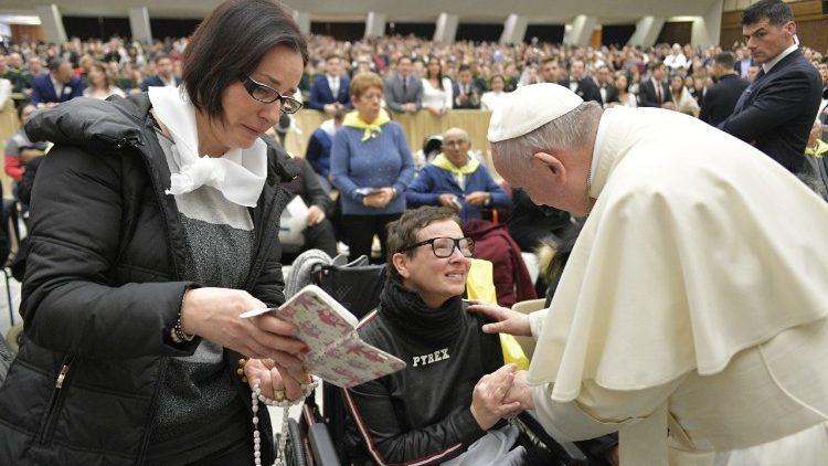 Papa Francesco: messaggio per i malati