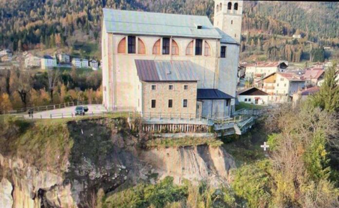 Corsa contro il tempo per salvare la chiesa di San Martino