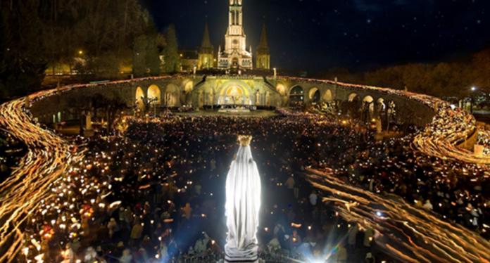 Suor Maria è stata miracolata a Lourdes. Ha sentito dei forti dolori poi la guarigione..