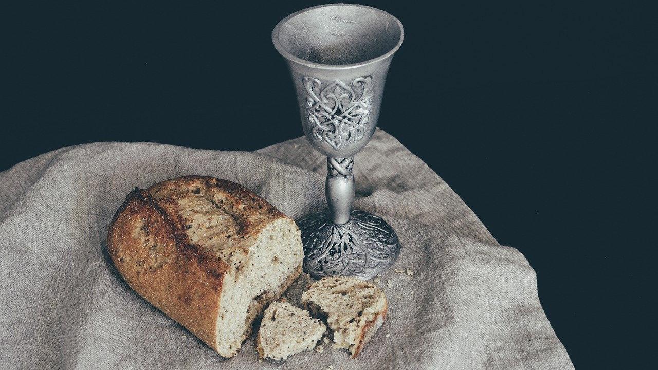 Lourdes: ecco la storia del miracolo di Aimée Allope