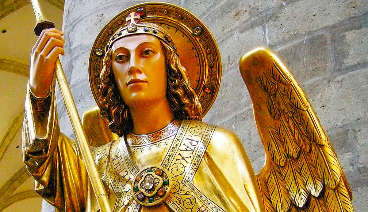 San Michele, nostra fortezza, prega per noi!
