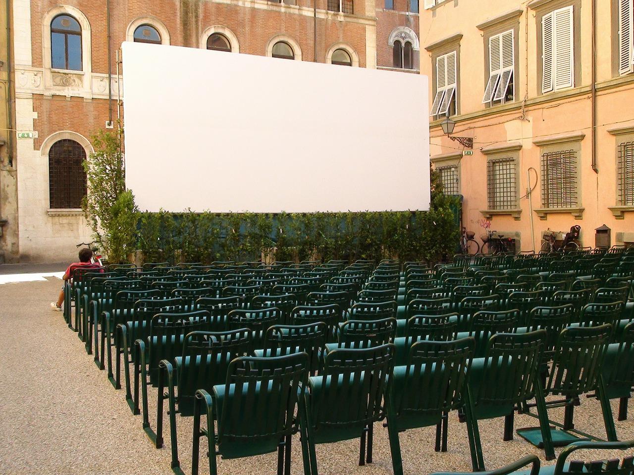 L'Italia pronta a ripartire: si torna al cinema e al ristorante ma ecco come e quando