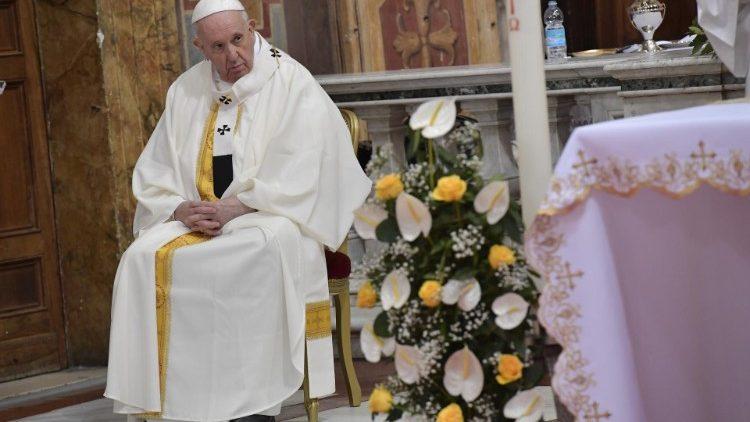 Papa Francesco nella Chiesa di santo Spirito in Sassia