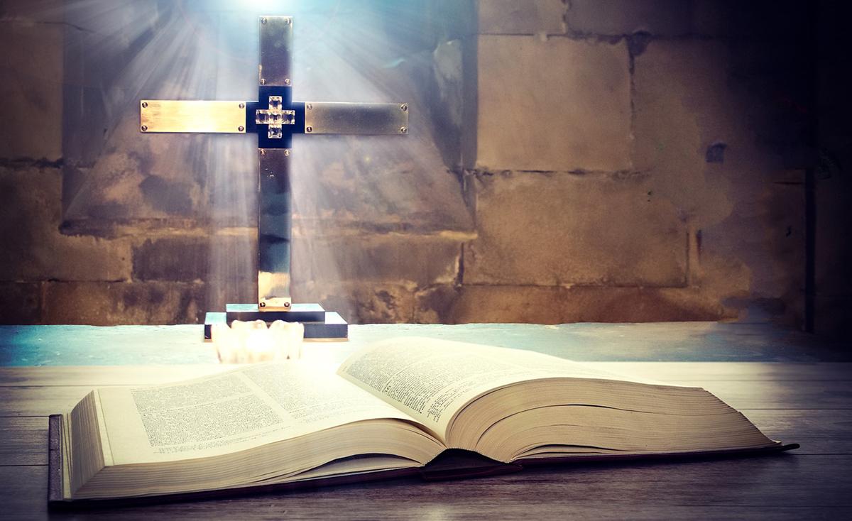 Preghiera allo Spirito Santo e a Dio Padre da recitare appena alzati - Foto di Photo Mix da Pixabay