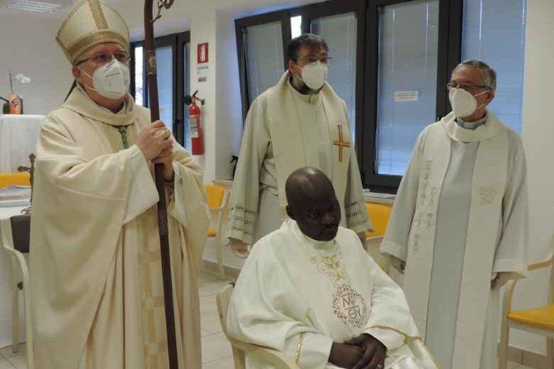 Addio a Padre Livinus, 31 anni, è stato prete per 23 giorni