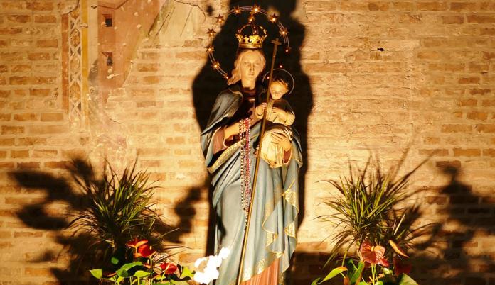 Miracolo Lourdes. Durante la Benedizione del Santissimo una giovane di 22 anni è guarita