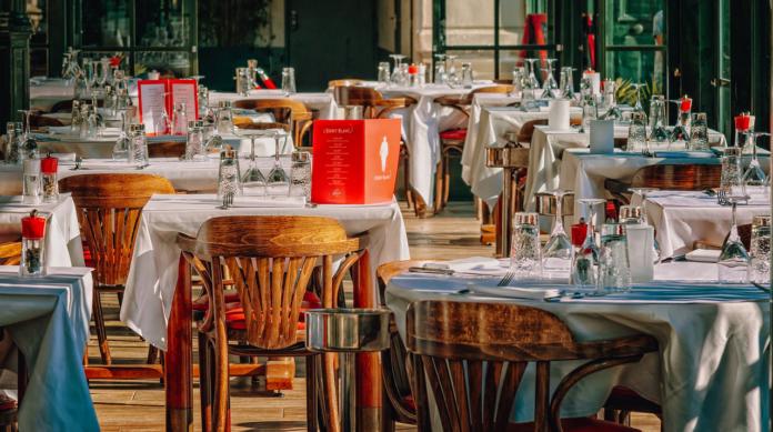 A maggio ripartenze di ristoranti, palestre e cinema: ecco le novità