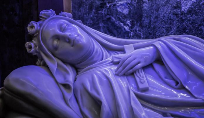 Recita le 'potenti' Litanie a Santa Teresa di Lisieux