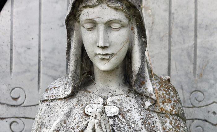 La breve e stupenda preghiera alla Madonna 'rimedio delle mie lacrime..'