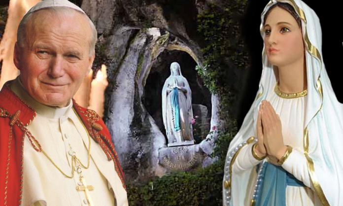 Devoti a Giovanni Paolo II e la Madonna di Lourdes